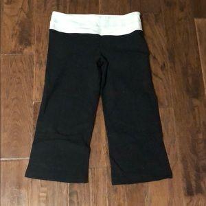 Lululemon 1/2 tight, sz 6, black bottom white band